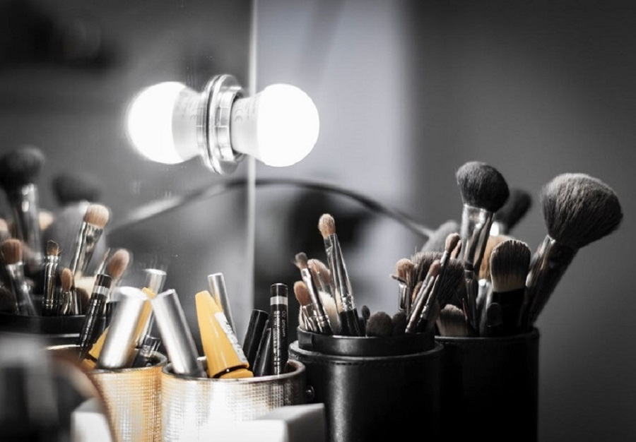 Significance of Back Lighting in Beauty Product Photography